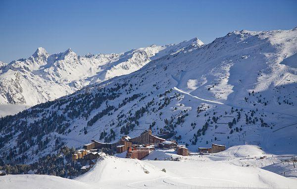 ski tout compris arc 2000 hebergement forfait location ski et livraison courses. Black Bedroom Furniture Sets. Home Design Ideas