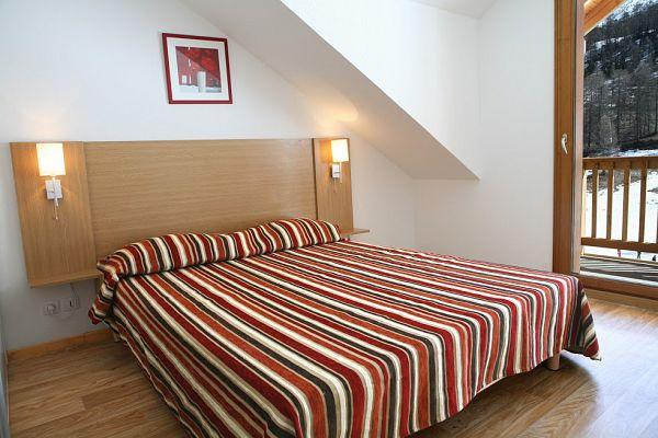 sejour tout compris pas cher aux orres avec forfait ski location mat riel et foodpacks. Black Bedroom Furniture Sets. Home Design Ideas